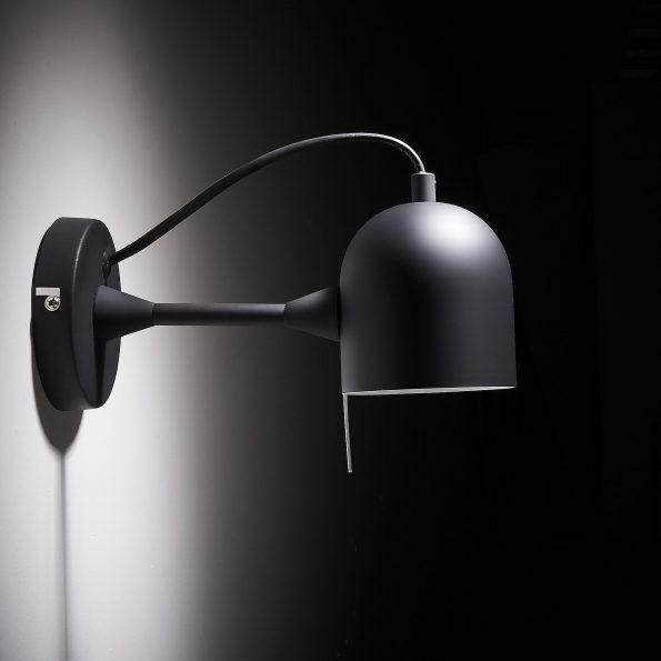 Zidna-lampa-LIANG-metalna-crna-AA2020R01